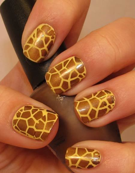 Giraffe Prints Animal Themed Nail Art Designs