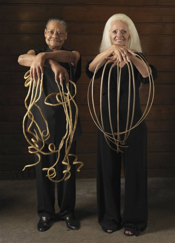 Longest fingernails both hands - Extreme Guinness World Records