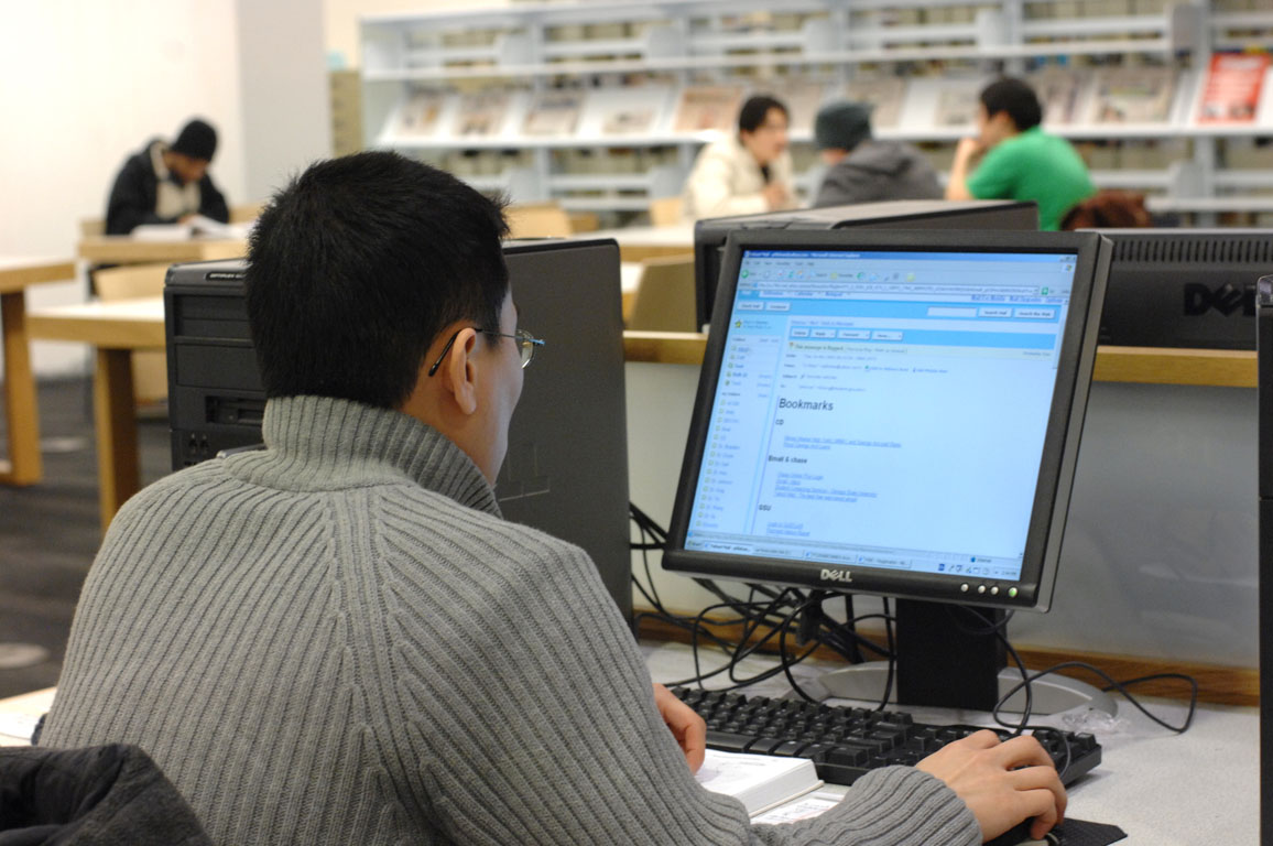 usage of computers In top-performing nations, teachers -- not students -- use technology.