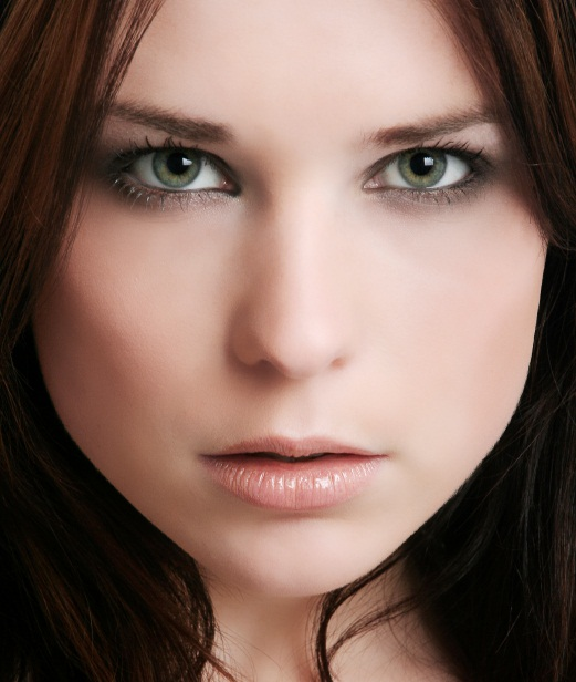 Best makeup for fair skin and green eyes